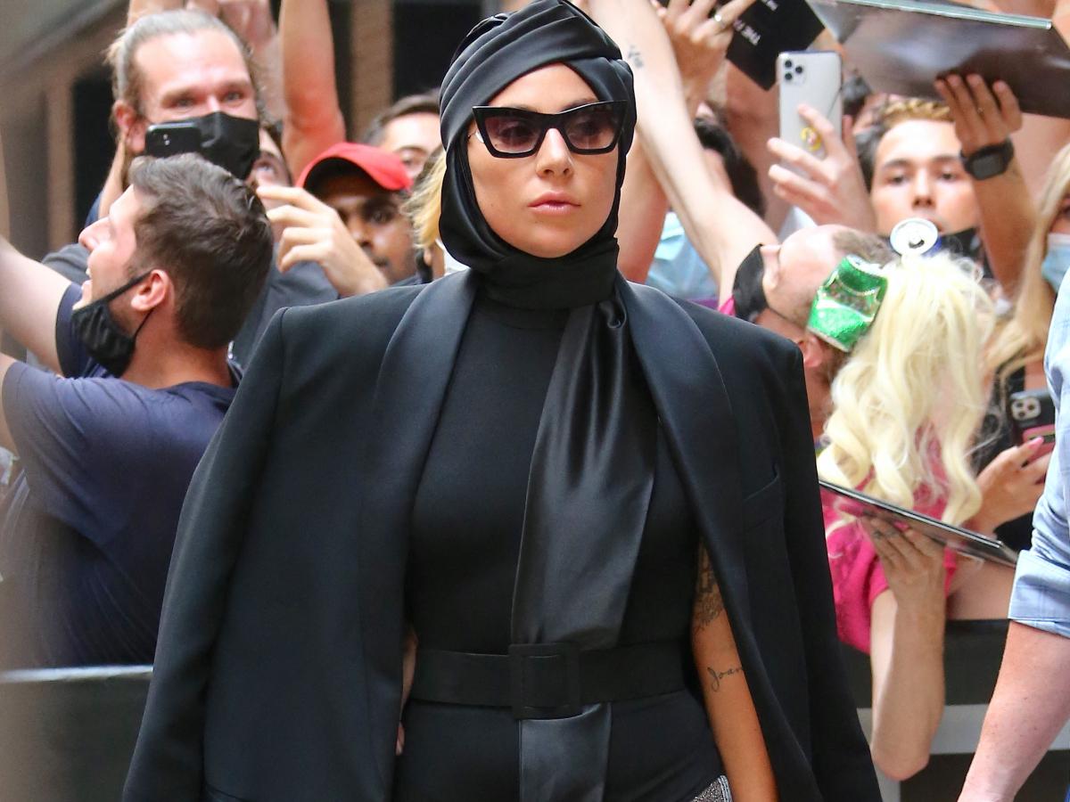 Η Lady Gaga με signature εμφάνιση βγαλμένη από το παρελθόν της