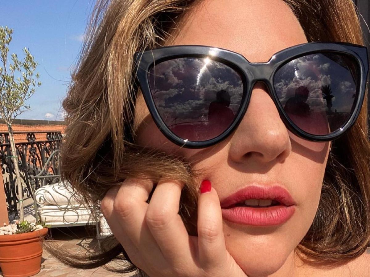 Η Lady Gaga χωρίς ίχνος μακιγιάζ κάτω από τον ήλιο
