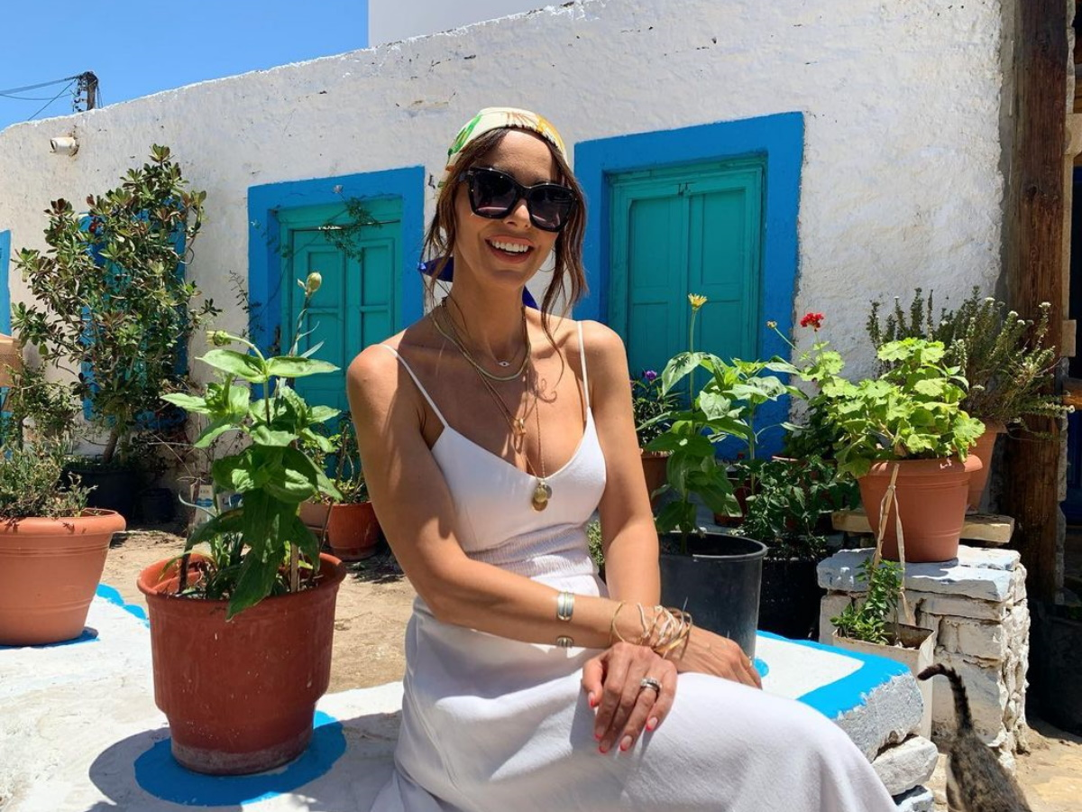 Μπέττυ Μαγγίρα: Οι κόρες της έχουν το δικό τους στυλ και στην παραλία