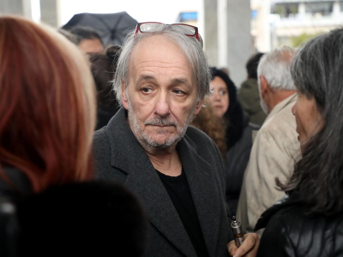 Ανδρέας Μικρούτσικος: Τι λέει ο γιος του Στέργιος στο TLIFE για την κατάσταση της υγείας του – Πότε παίρνει εξιτήριο;