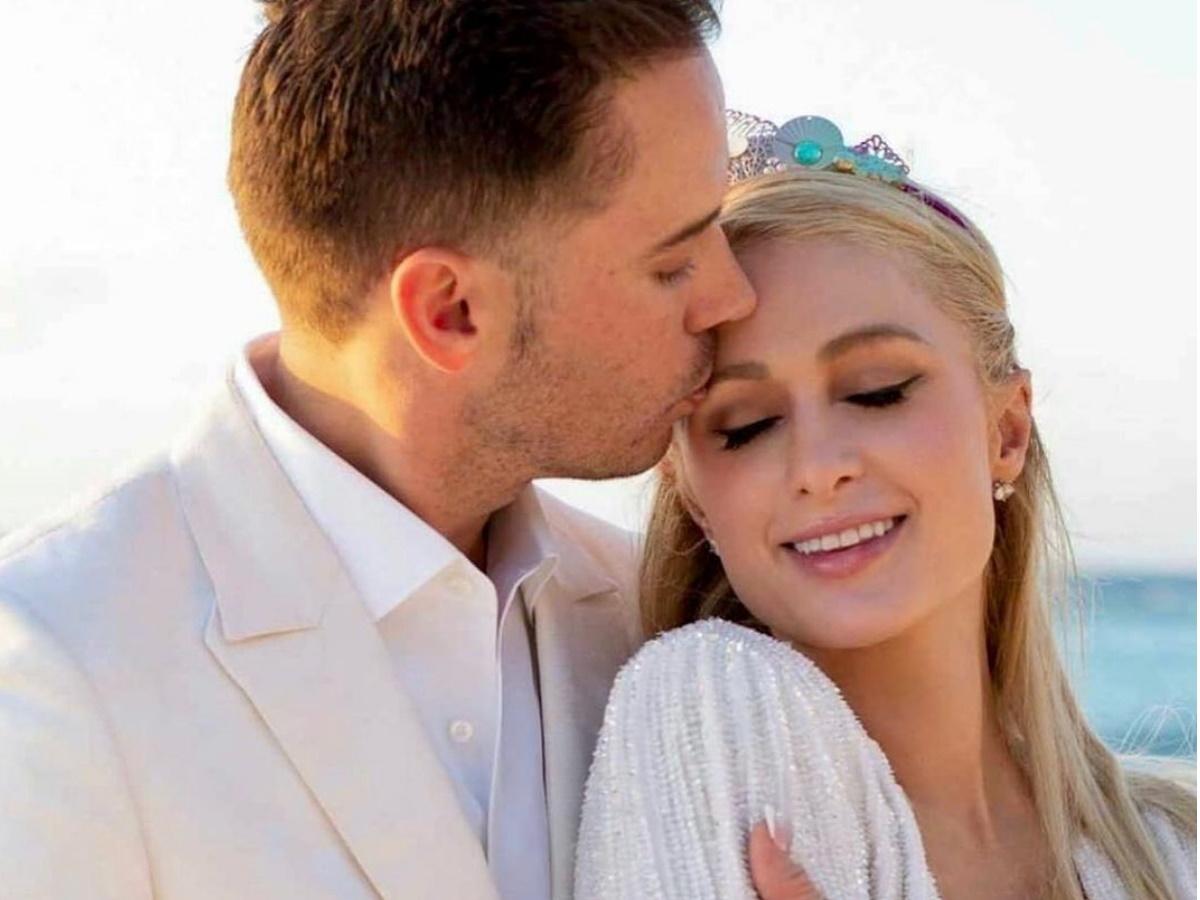 Έγκυος η Paris Hilton λίγους μήνες μετά τον αρραβώνα της!