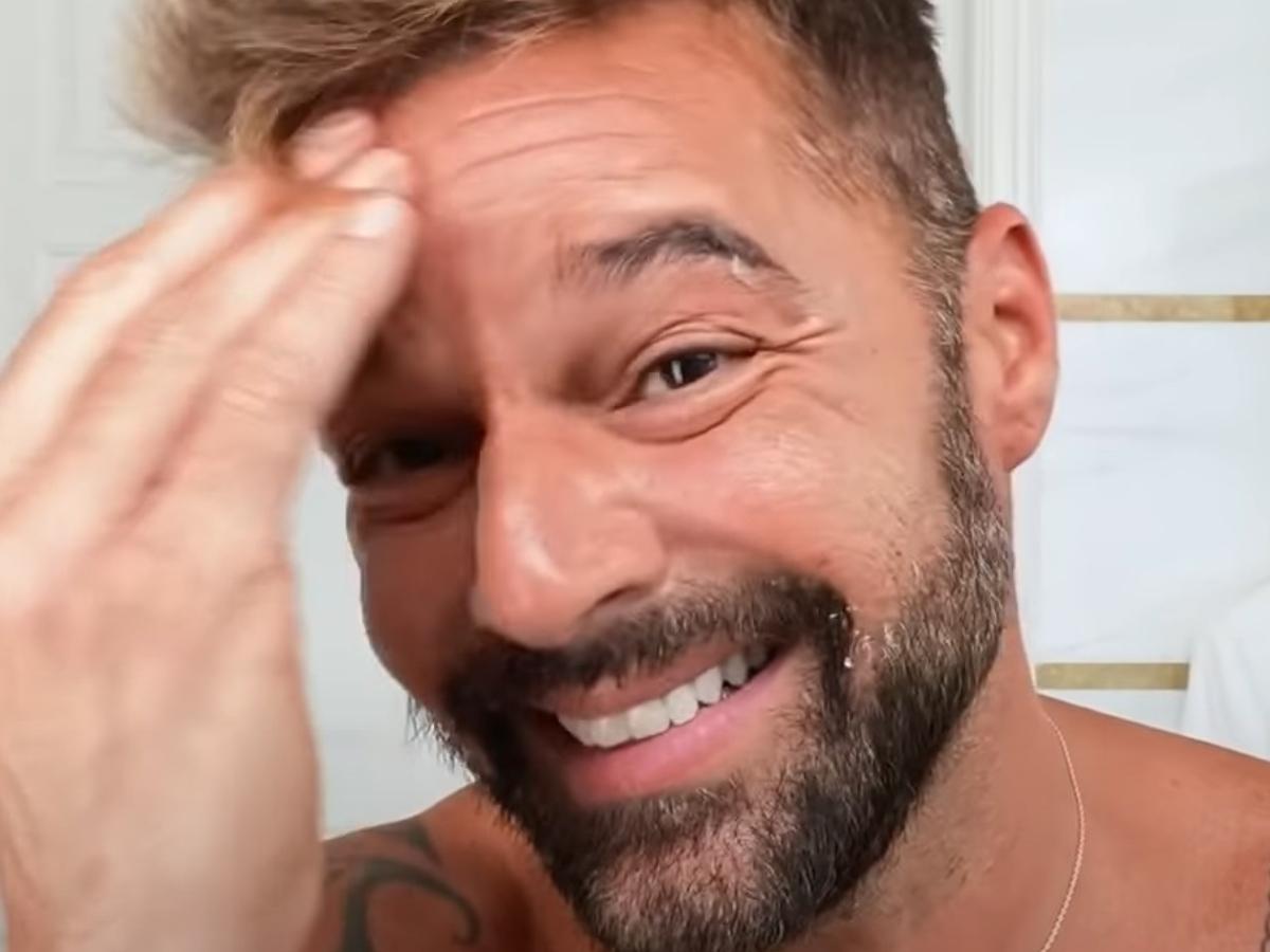 O Ricky Martin εφαρμόζει στο πρόσωπό του το μυστικό των Αγγέλων της Victoria Secret!