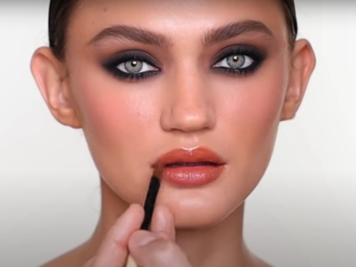 Video! Αυτό είναι το πιο sexy smokey που έχουμε δει και γίνεται με καφέ και μαύρες σκιές