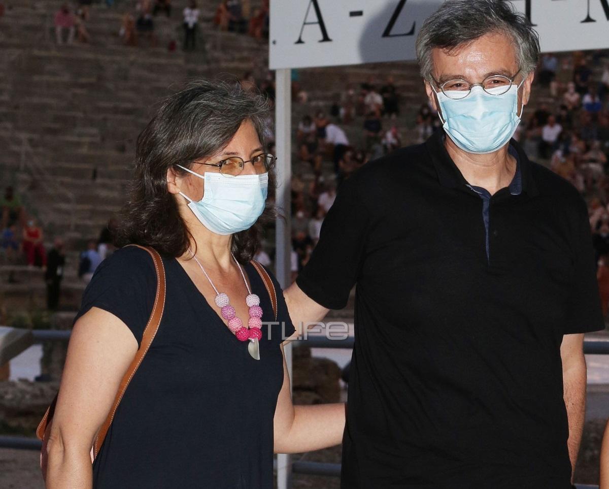 Σωτήρης Τσιόδρας: Σπάνια εμφάνιση με τη σύζυγο του στην Επίδαυρο