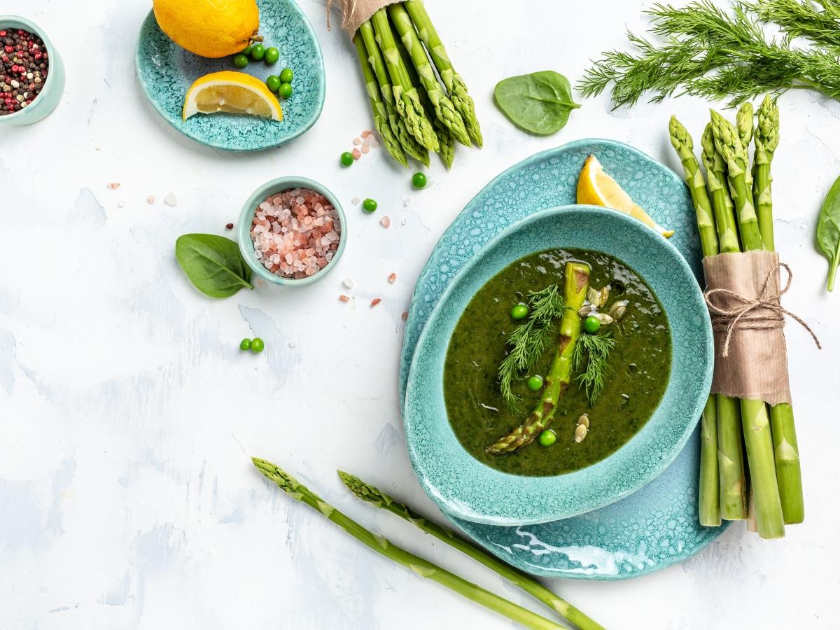 Συνταγή για κρύα σούπα από σπαράγγια
