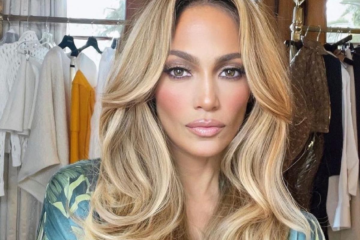 Το make up look της Jennifer Lopez στο show των Dolce & Gabbana είναι απλά ονειρικό