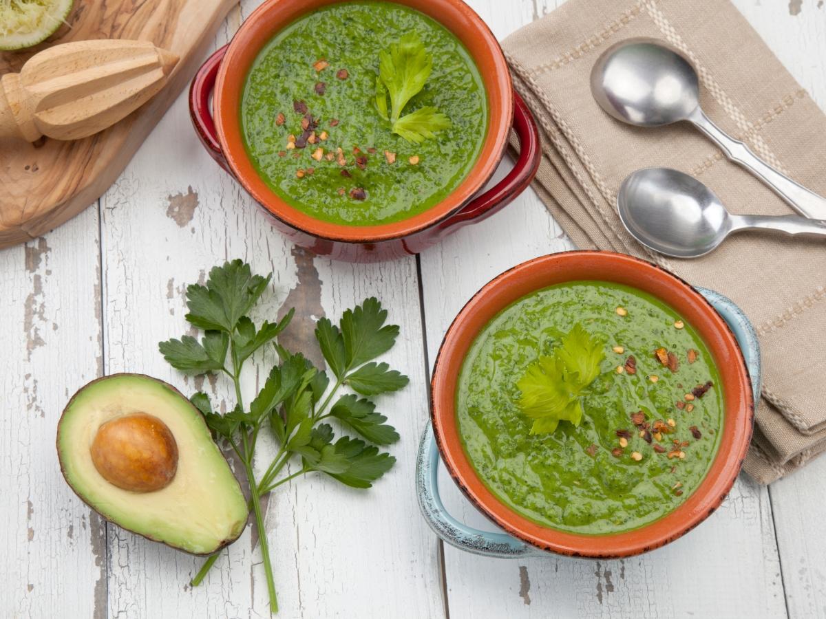 Συνταγή για κρύα σούπα αβοκάντο