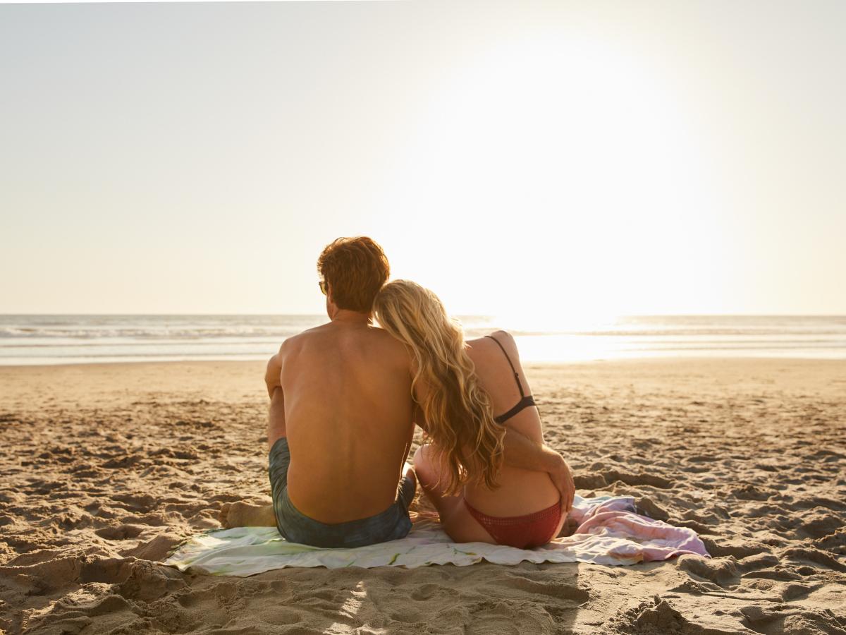 Πώς μπορεί το καλοκαίρι να βοηθήσει τη σχέση σου