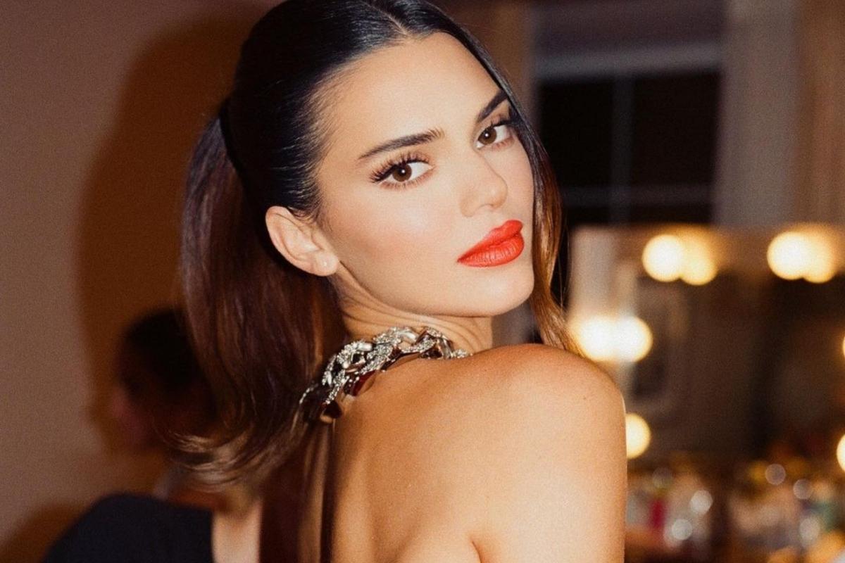 To vampire chic beauty look της Kendall Jenner είναι το μεγαλύτερο trend της σεζόν