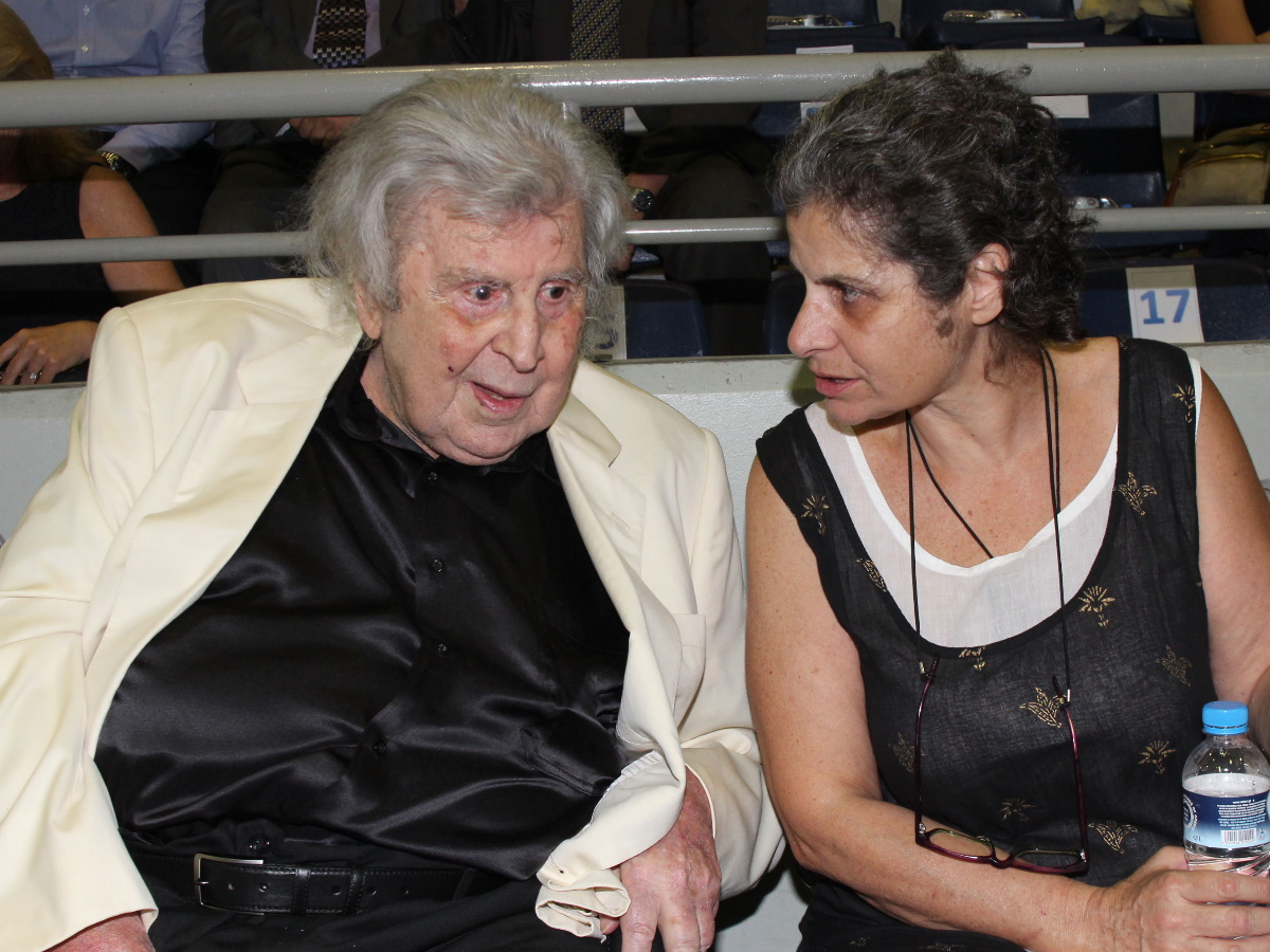 Μαργαρίτα Θεοδωράκη: Εξιτήριο από το νοσοκομείο μετά την κατάρρευση – Τι λέει στο TLIFE άνθρωπος από το περιβάλλον της
