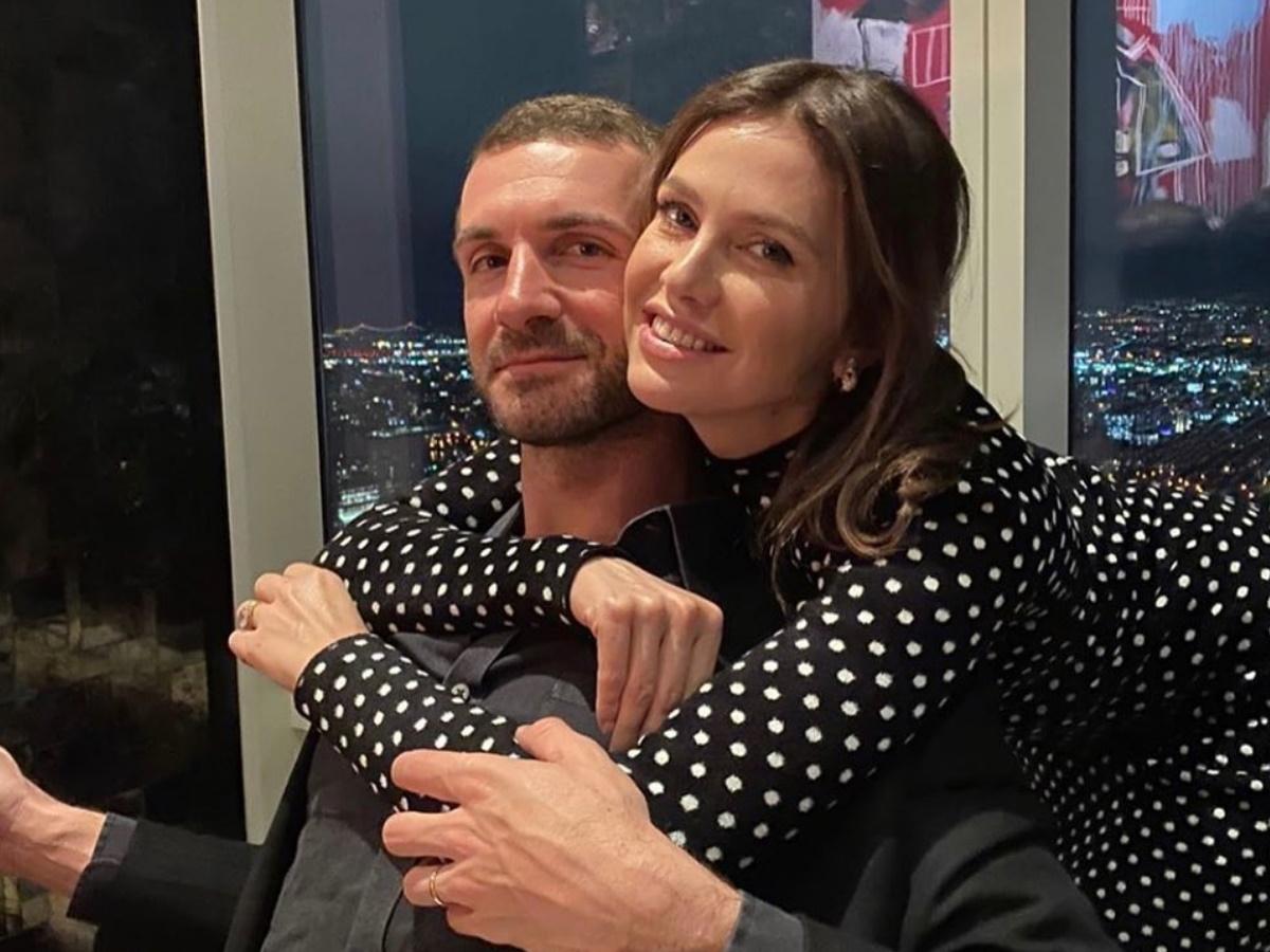 Σταύρος Νιάρχος – Ντάσα Ζούκοβα: Σπάνια δημόσια εμφάνιση μετά τη γέννηση του γιου τους