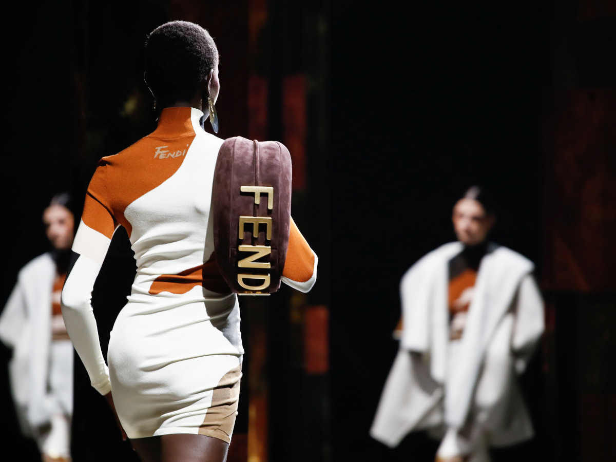 Ο οίκος Fendi άνοιξε την Εβδομάδα Μόδας στο Μιλάνο με ένα εκπληκτικό show