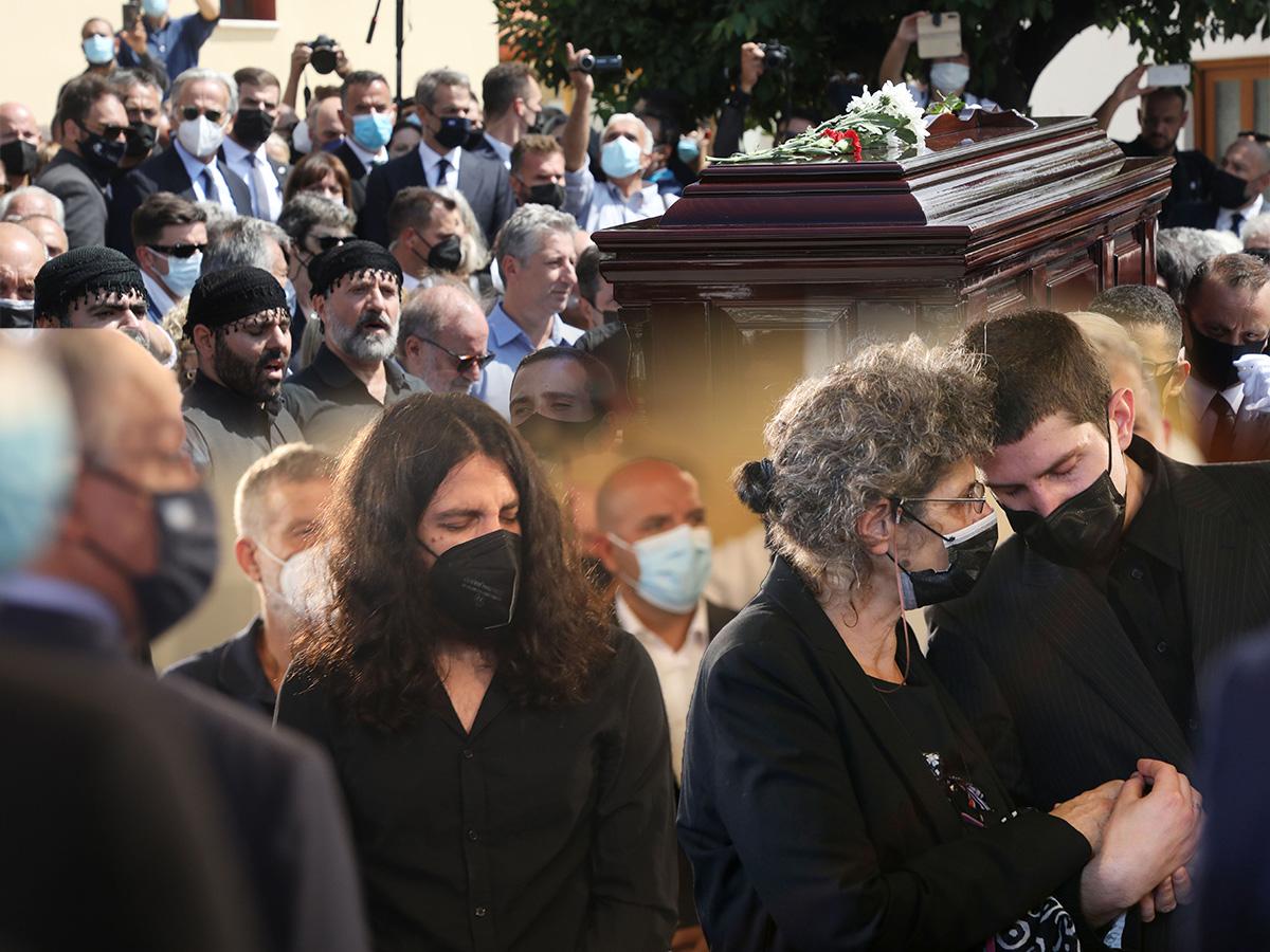 Κηδεία Μίκη Θεοδωράκη: Ύστατο χαίρε στον οικουμενικό συνθέτη