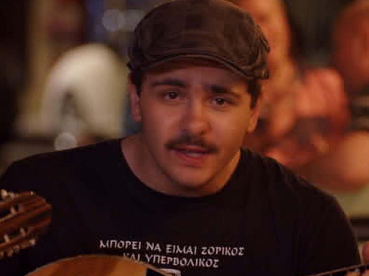 Κουτσαβάκης: Ο viral ρεμπέτης σε νέο τραγούδι για τα μέτρα και το εμβόλιο κατά του κορονοϊού