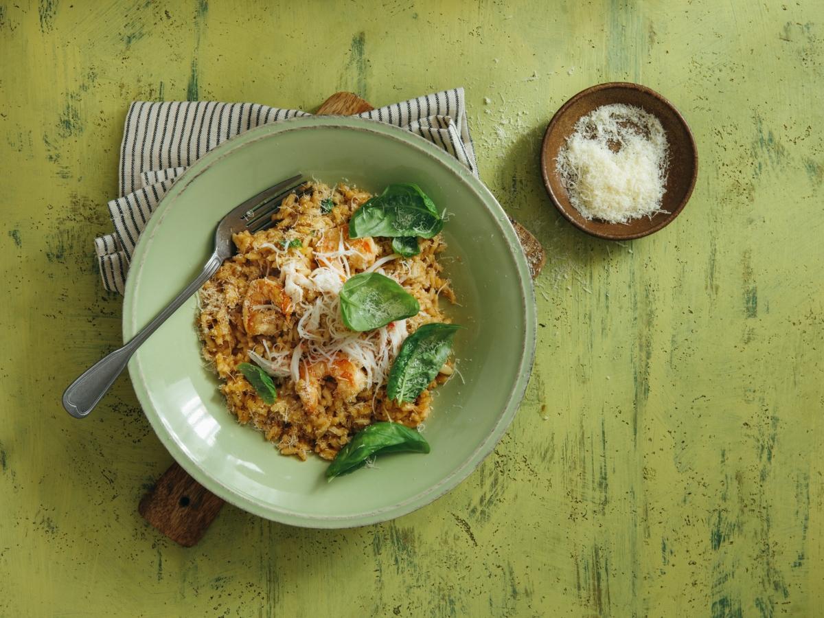 Συνταγή για χορταστικό κριθαράκι με γαρίδες σοτέ