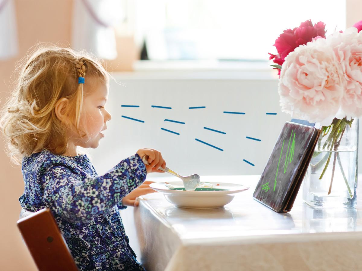 Τηλεόραση και μπλε οθόνες: Οι παρενέργειες που μπορεί να προκαλέσουν στα παιδιά