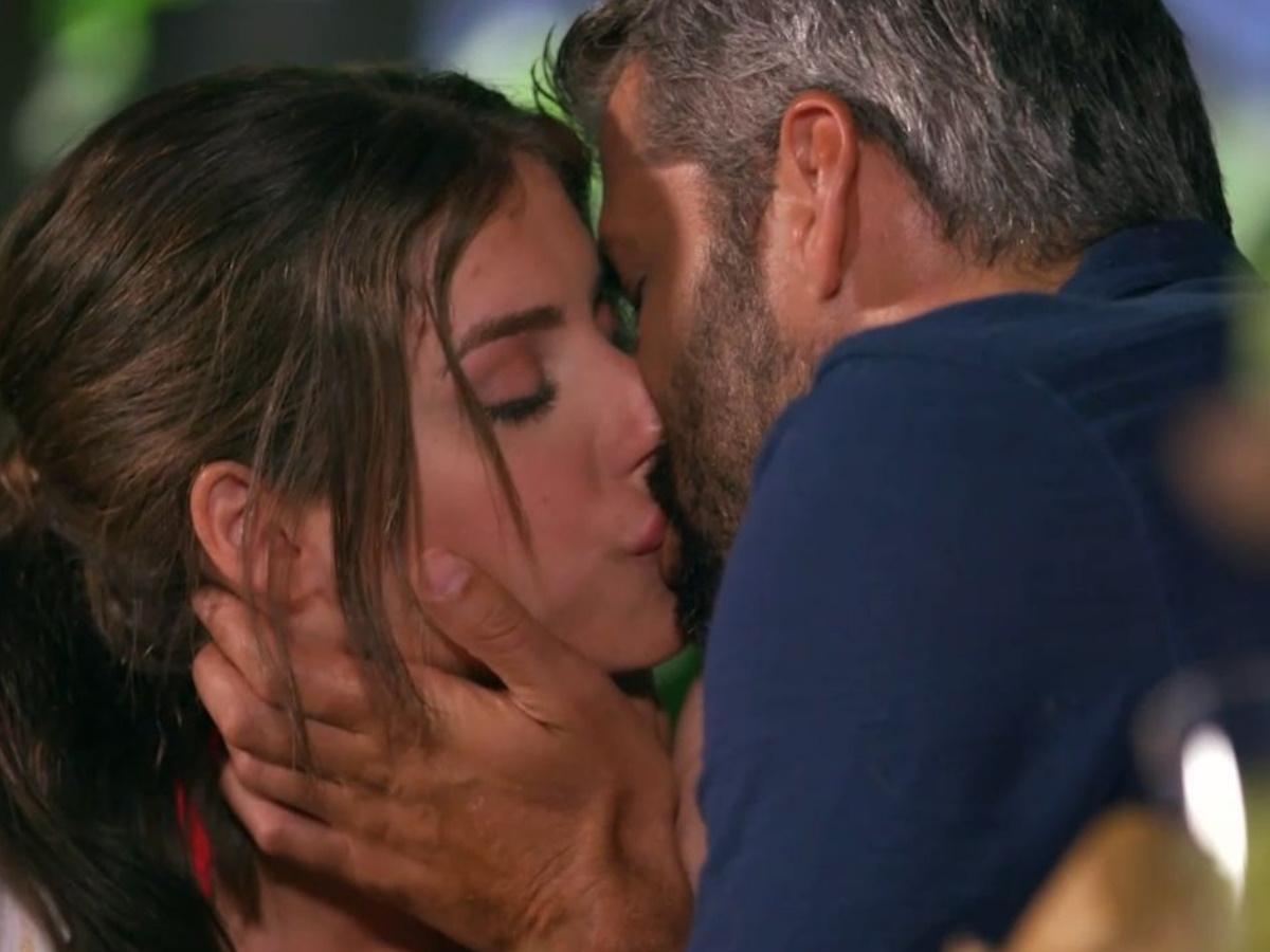 The Bachelor 2: Ο Αλέξης Παππάς σε ένα παθιασμένο φιλί με την Άννα