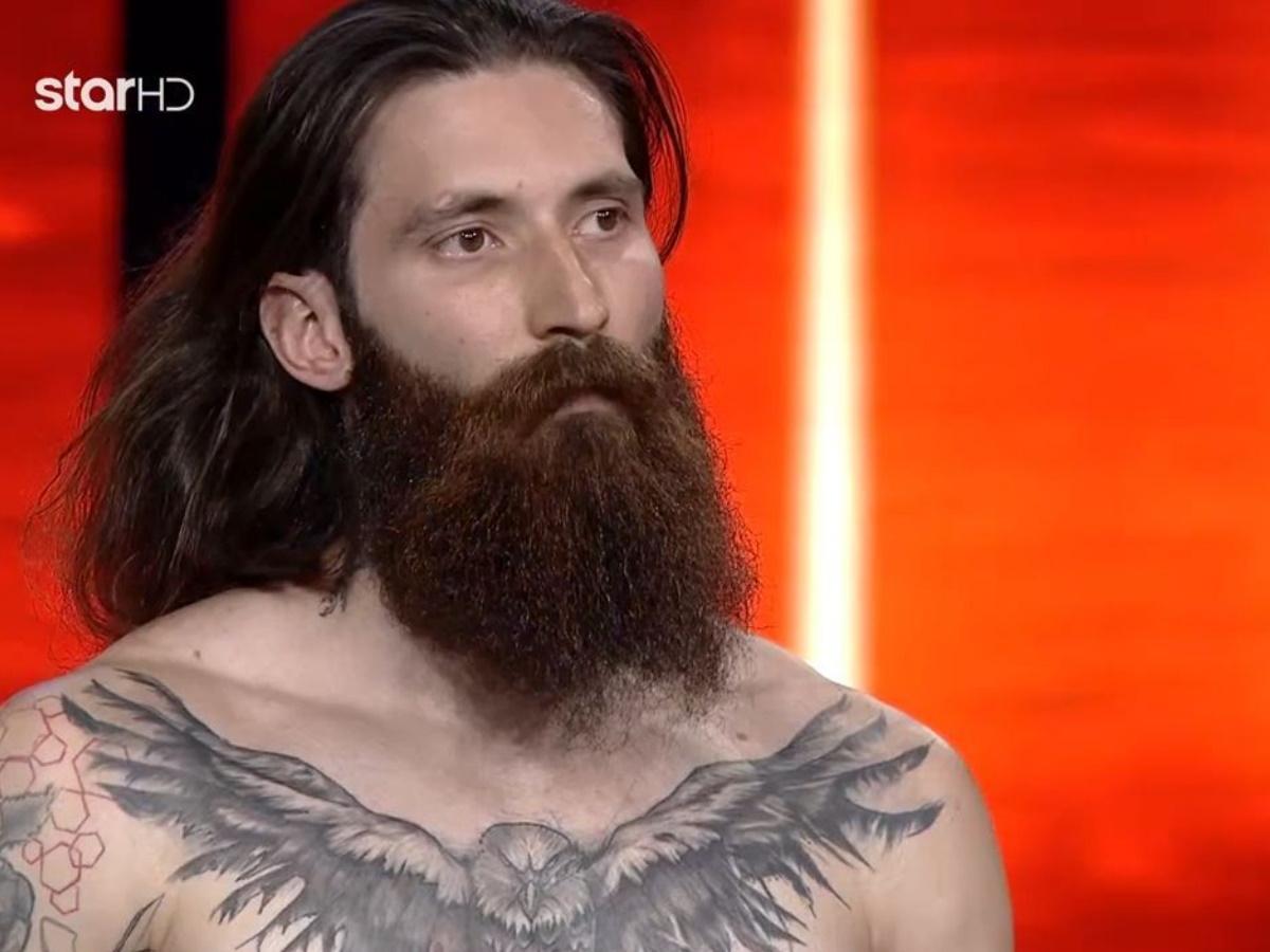 GNTM – Θοδωρής Τσαρούχας: Ο 32χρονος γυμναστής δίχασε τους κριτές με το hipster look αλλά τελικά τα κατάφερε