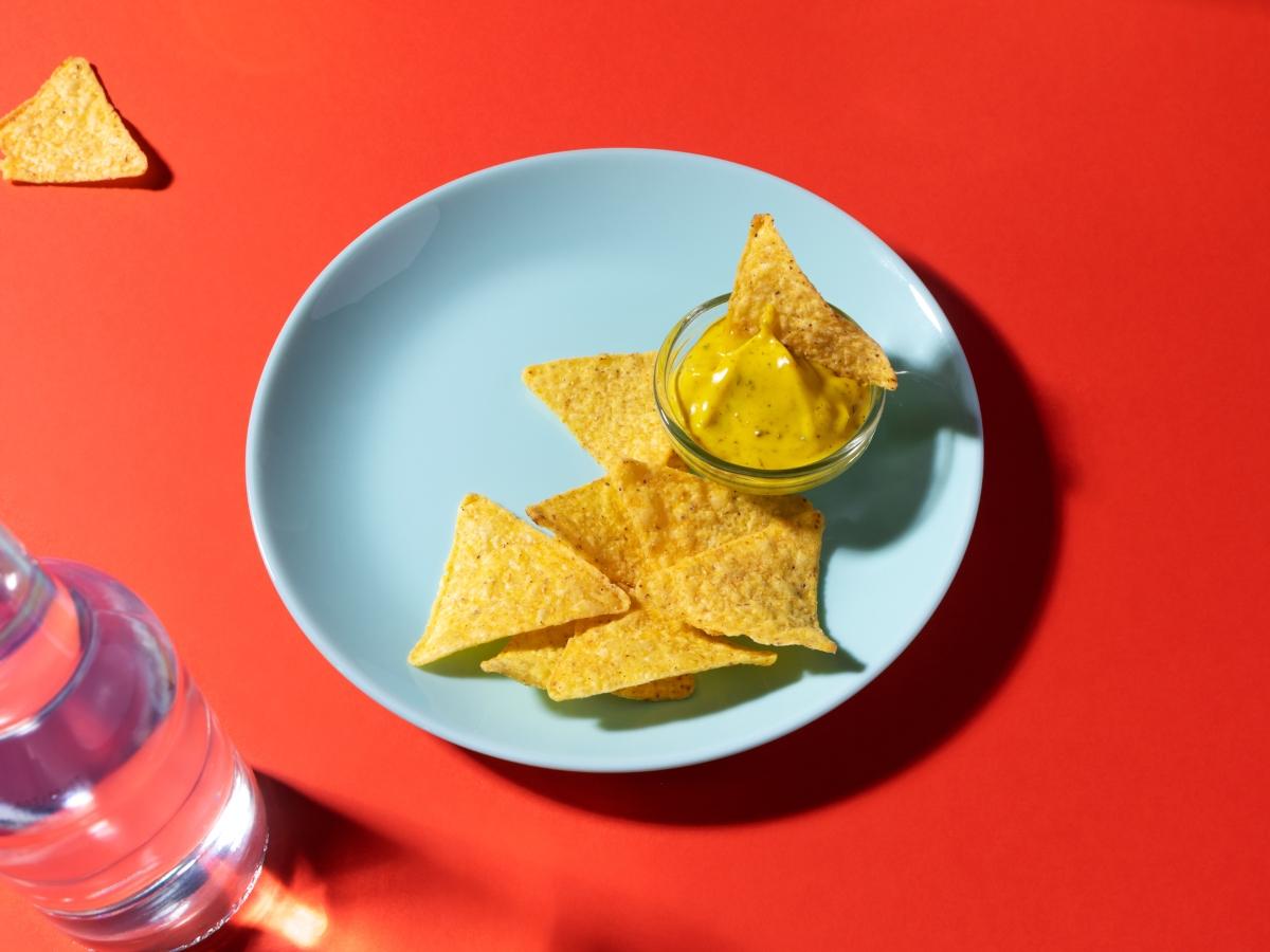Συνταγή για σπιτικά νάτσος με ιδιαίτερο μείγμα τυριών