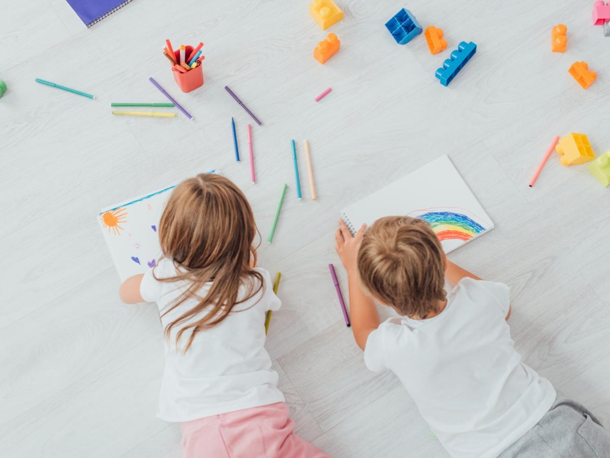 Τι θα έλεγες το παιδί σου να ζωγραφίσει το επόμενο εξώφυλλο περιοδικού; Να η ευκαιρία!